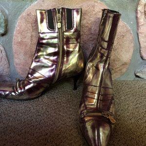 Donald J. Pliner Shoes - Donald Pliner heels!